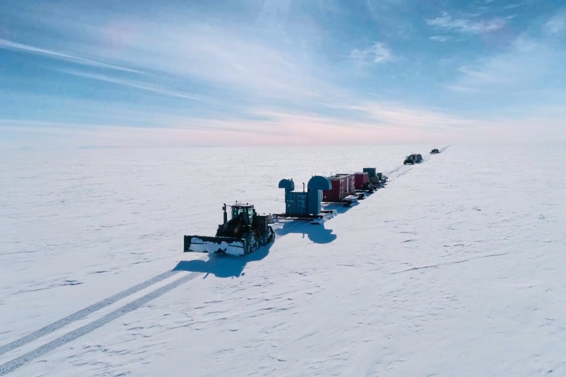 SALSA Traverse Departs McMurdo and Geophysics Team Enter the Deep Field
