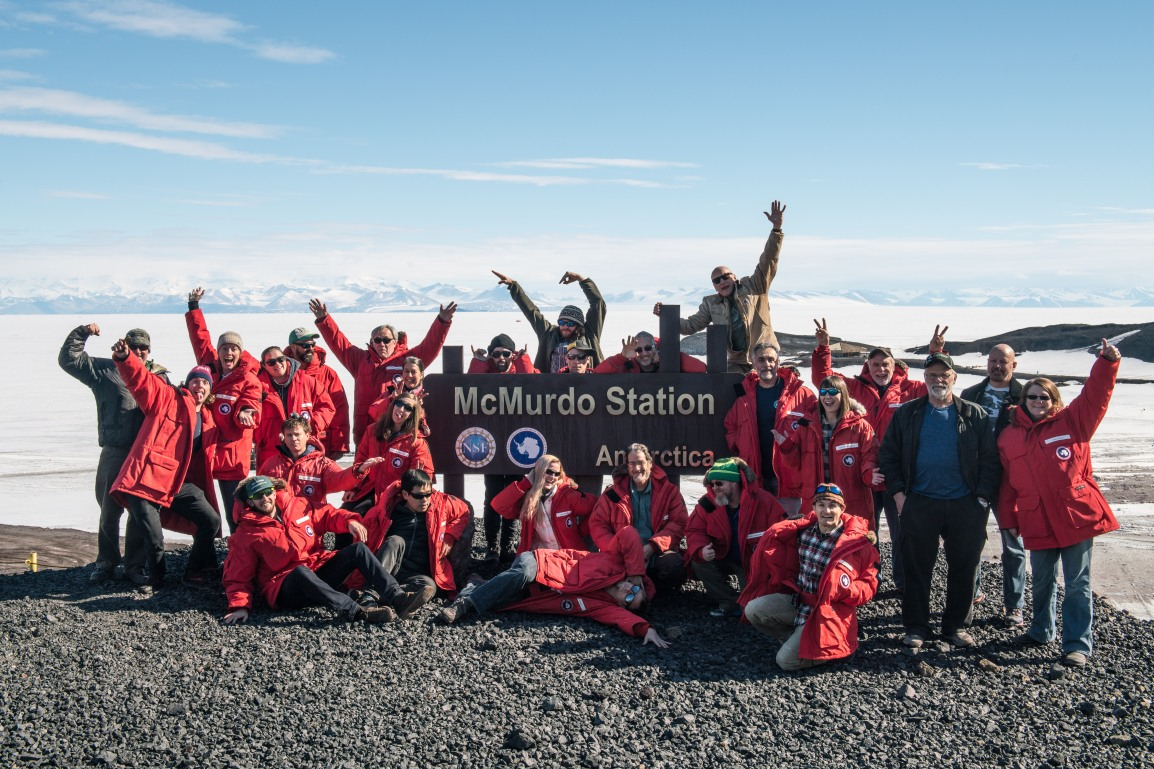 21 Members of the Science Team Arrive at McMurdo Station and Geophysics Team Moves to Whillans SubglacialLake